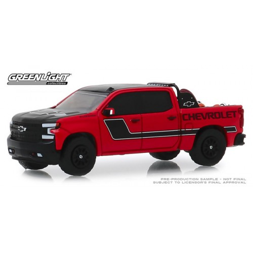 Greenlight Hobby Exclusive - 2019 Chevy Silverado with Safety Equipment