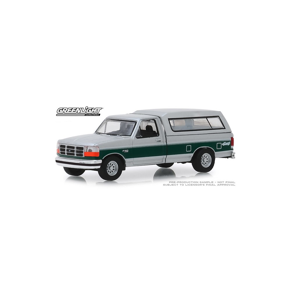 Greenlight Blue Collar Series 6 - 1996 Ford F-150 XLT with Camper Shell