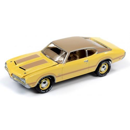 Johnny Lightning Muscle Cars - 1970 Oldsmobile Cutlass W31