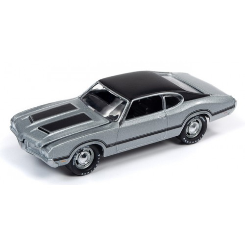 Johnny Lightning Muscle Cars - 1970 Oldsmobile Cutlass W31