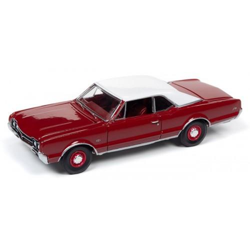 Auto World Premium 2019 Release 4B - 1966 Oldsmobile 442