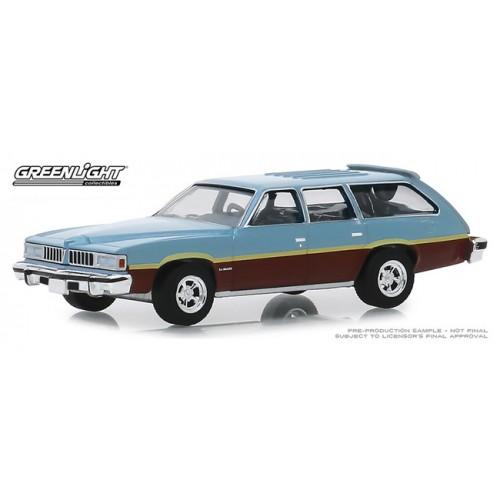 Greenlight Estate Wagons Series 4 - 1977 Pontiac LeMans Safari Wagon