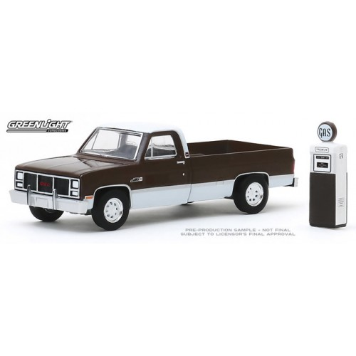 Greenlight The Hobby Shop Series 8 - 1984 GMC 2500 High Sierra
