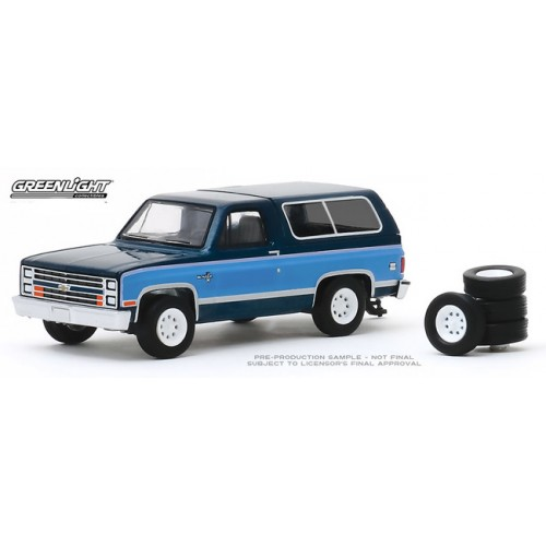 Greenlight The Hobby Shop Series 8 - 1986 Chevy K5 Blazer