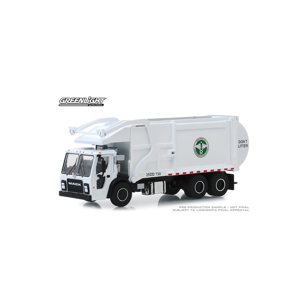 Greenlight S.D. Trucks Series 8 - 2019 Mack LR Refuse Truck DSNY