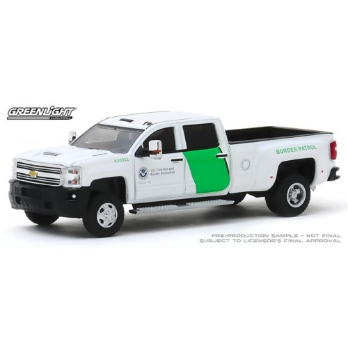 Greenlight Dually Drivers Series 3 - 2018 Chevy 3500 Dually US Border Protection