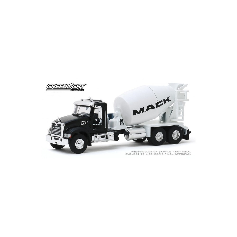 Greenlight S.D. Trucks Series 9 - 2019 Mack Granite Conrete Mixer