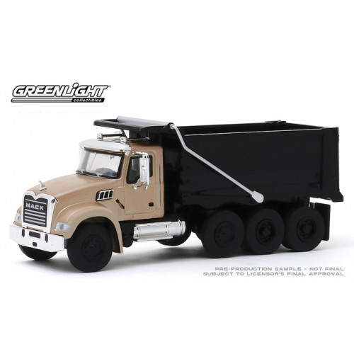 Greenlight S.D. Trucks Series 9 - 2019 Mack Granite Dump Truck