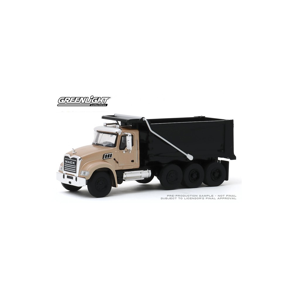 Greenlight S.D. Trucks Series 9 - 2019 Mack Granite Dump Truck