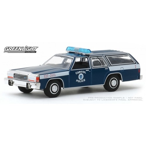 Greenlight Hot Pursuit Series 33 - 1983 Ford LTD Station Wagon