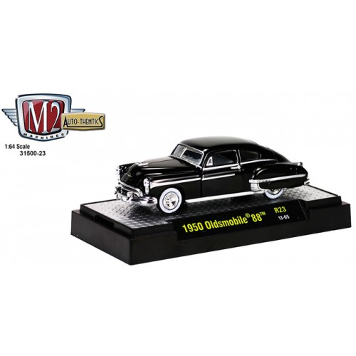 M2 Machines Auto-Thentics Release 23 - 1950 Oldsmobile 88 Clamshell Package