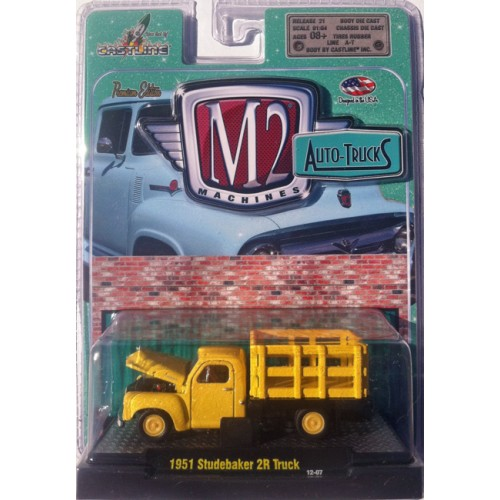 M2 Machines Auto-Trucks Release 21 - 1951 Studebaker 2R Stakebed Truck Clamshell Package