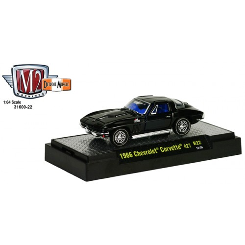 M2 Machines Detroit Muscle Release 22 - 1966 Chevrolet Corvette 427 Clamshell Package