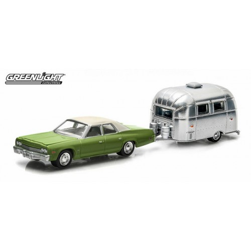 Greenlight Hitch and Tow Series 2 - 1974 Dodge Monaco and Airstream Bambi