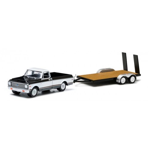 Greenlight Hitch and Tow Series 1 - 1971 Chevy Cheyenne and Flatbed Trailer