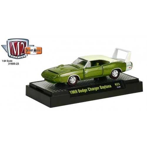 M2 Machines Detroit Muscle Release 23 - 1969 Dodge Charger Daytona Clamshell Package