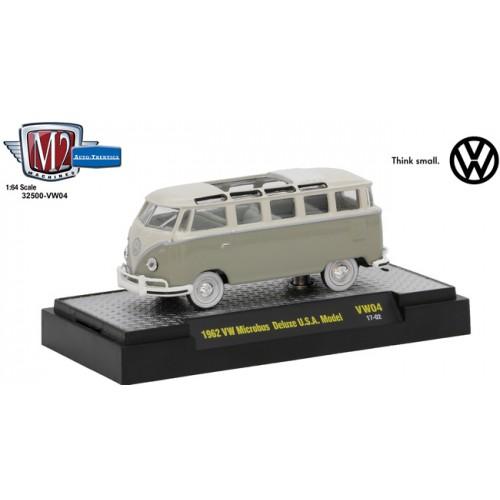 M2 Machines Auto-Thentics Volkswagen Release 4 - 1962 Volkswagen Microbus Deluxe