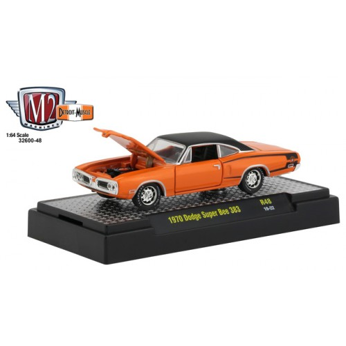 M2 Machines Detroit Muscle Release 48 - 1970 Dodge Super Bee 383