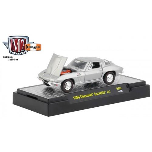M2 Machines Detroit Muscle Release 46 - 1966 Chevrolet Corvette 427