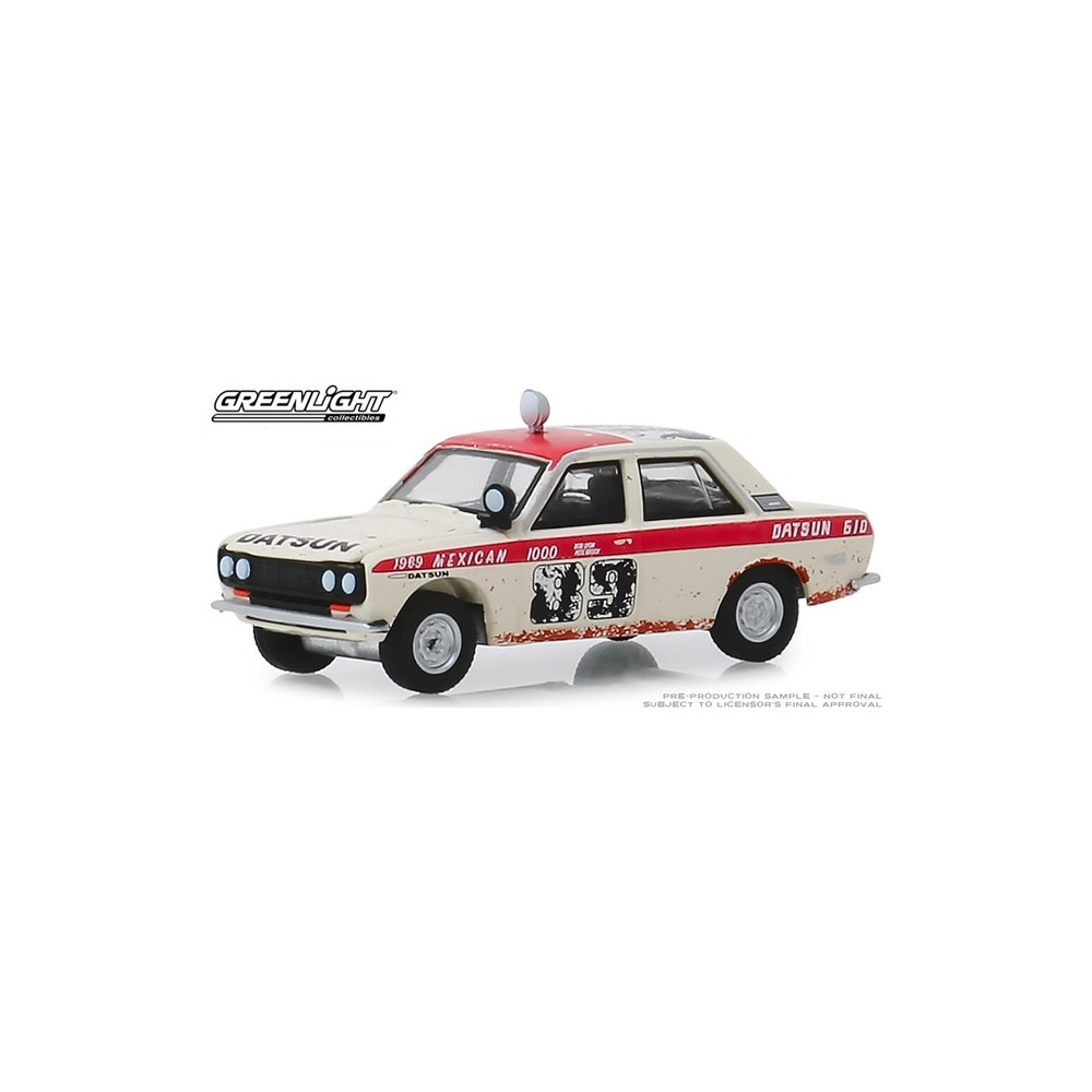 Greenlight Tokyo Torque Series 7 - 1965 Datsun 4-Door Sedan