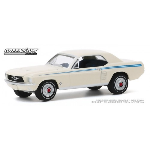 Greenlight Hobby Exclusive - 1967 Ford Mustang Coupe