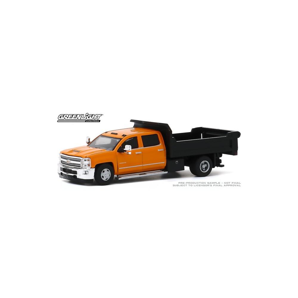 Greenlight 46040-B Dually Drivers 2017 Chevy Silverado 3500 Dump Truck 1:64 Sc