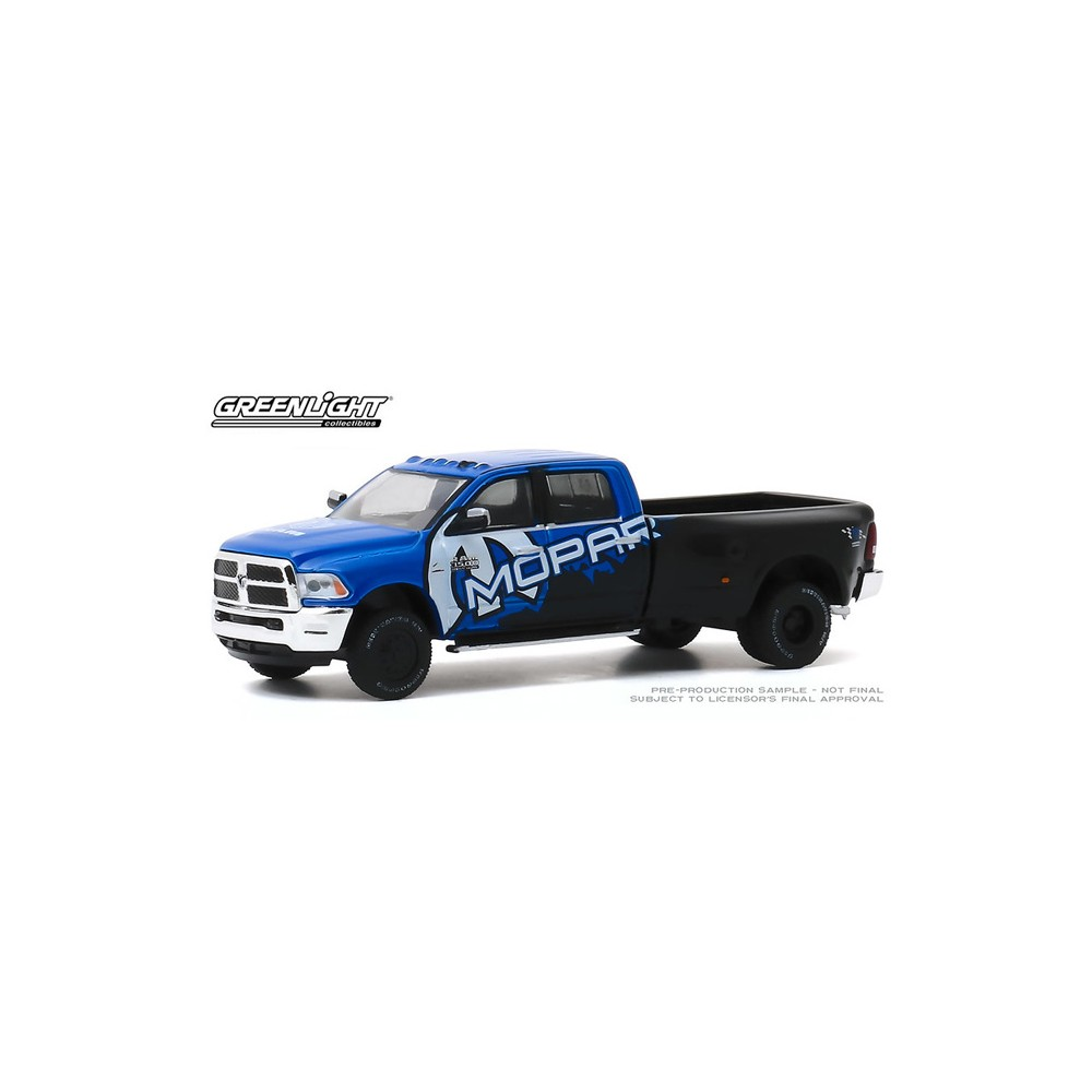 Greenlight Dually Drivers Series 4 - 2017 RAM 3500 Mopar Edition