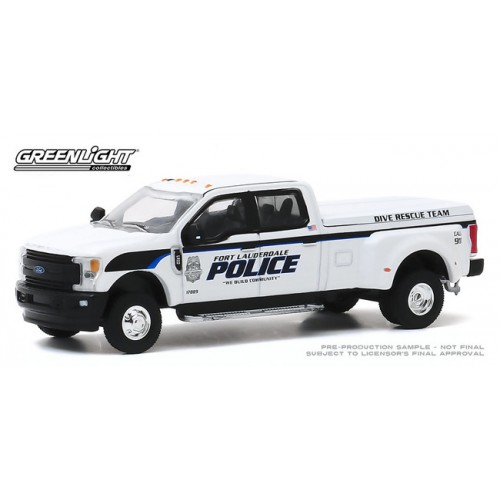 Greenlight Dually Drivers Series 4 - 2019 Ford F-350 Police Dive Rescue Truck