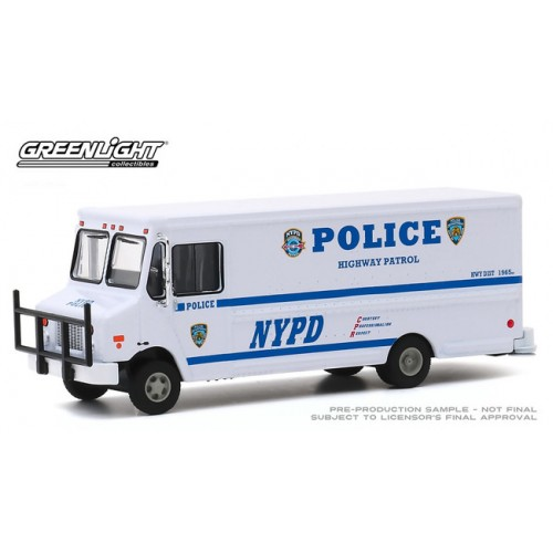 Greenlight H.D. Trucks Series 18 - 2019 Highway Patrol Step Van NYPD
