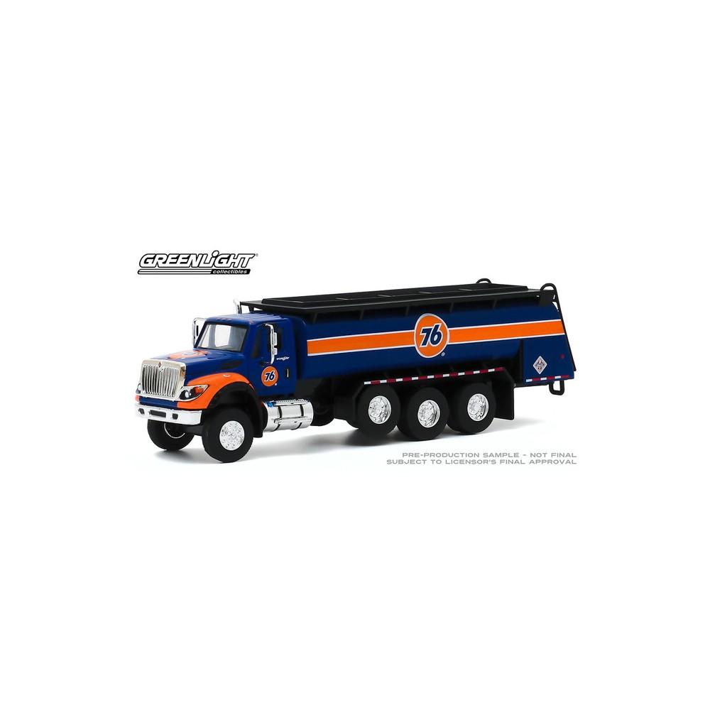 Greenlight S.D. Trucks Series 10 - 2018 International WorkStar Tanker Truck Union 76