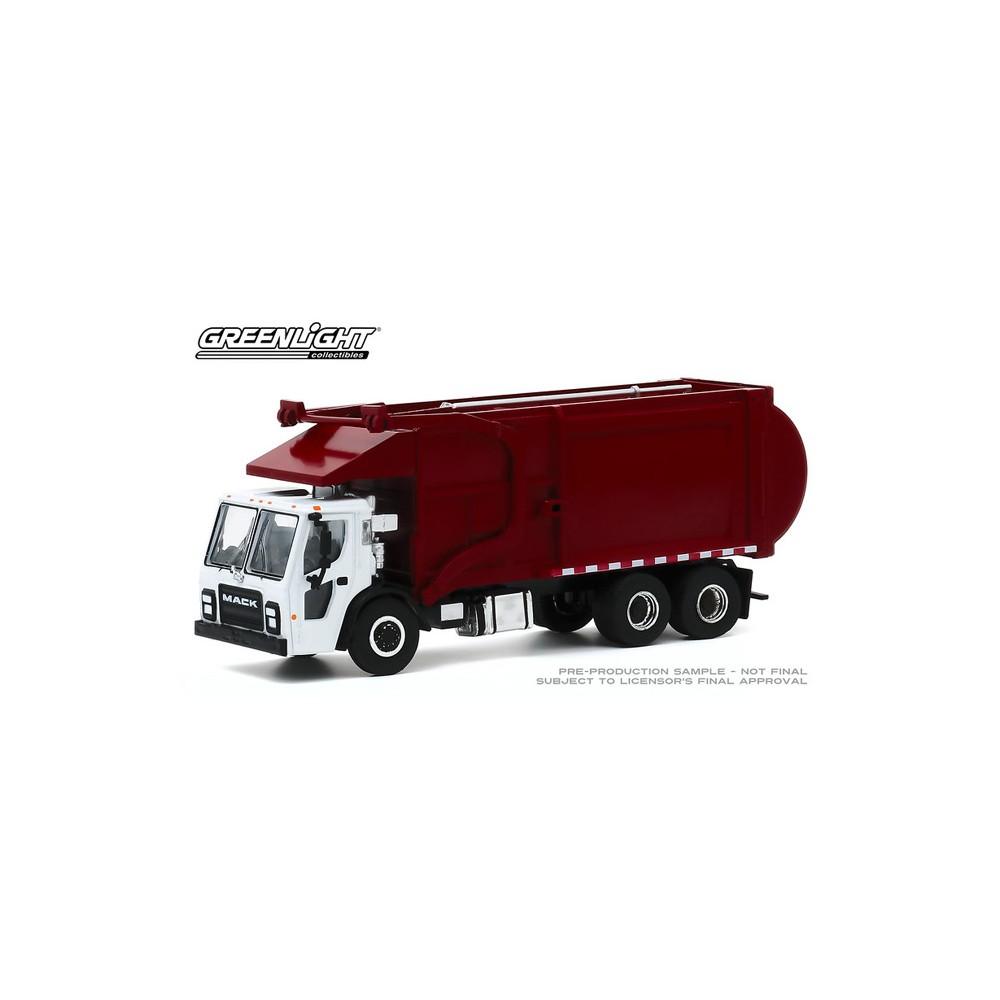 Greenlight S.D. Trucks Series 10 - 2019 Mack LR Refuse Truck
