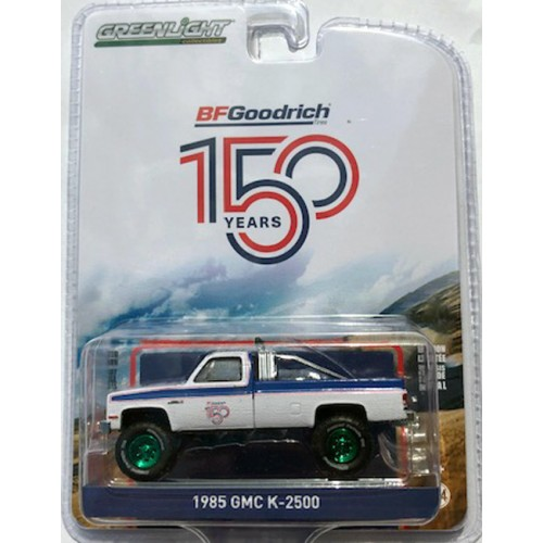 Greenlight Anniversary Collection Series 10 - 1985 GMC K-2500 GREEN MACHINE