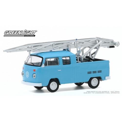 Greenlight Club Vee-Dub Series 11 - 1973 Volkswagen Type 2 Double Cab Ladder Truck