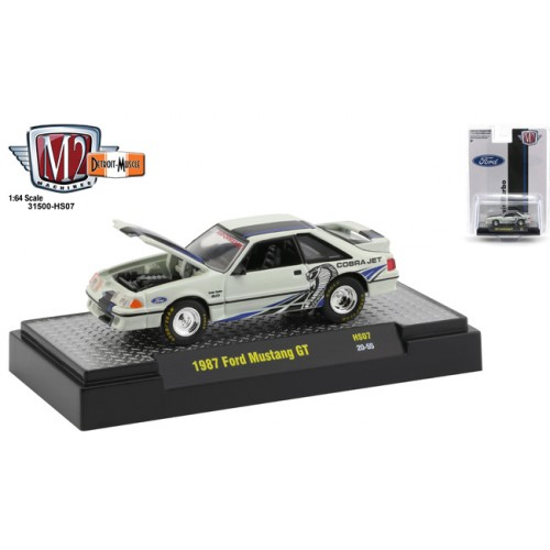 M2 Machines Hobby Exclusive - 1987 Ford Mustang GT