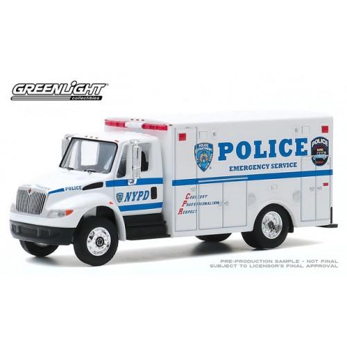 Greenlight H.D. Trucks Series 19 - 2013 International DuraStar Emergency Service Vehicle