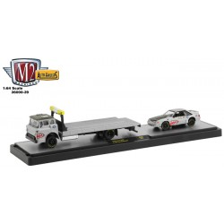 M2 Machines Auto-Haulers Release 39 - 1990 Ford C-8000 with 1987 Ford Mustang GT