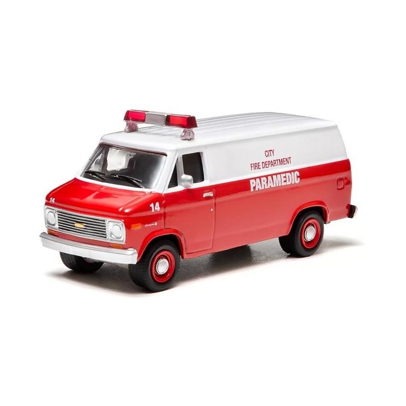 1992 Chevrolet G Series G20 Camshaft: Greenlight Hobby Exclusive 1977 Chevrolet G20 Paramedic Van