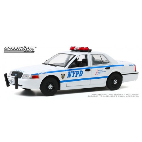 Greenlight Hot Pursuit - 1/24 Scale 2011 Ford Crown Victoria Police Interceptor NYPD