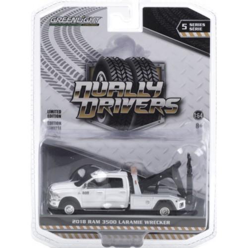 Greenlight Dually Drivers Series 5 - 2018 RAM 3500 Dually Wrecker