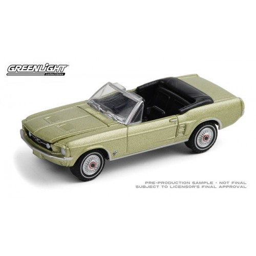 Greenlight Hobby Exclusive - 1967 Ford Mustang Convertible Sports Sprint