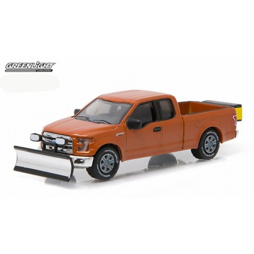 Hobby Exclusive - 2015 Ford F-150 with Snow Plow