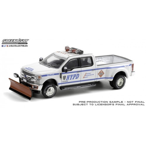 Greenlight Hobby Exclusive - 2019 Ford F-350 Dually with Snow Plow NYPD