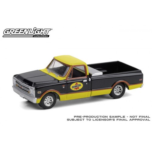 Greenlight Running on Empty Series 12 - 1968 Chevrolet C-10 with Toolbox