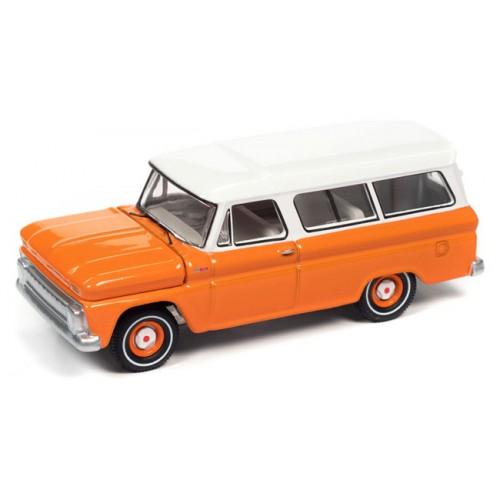 Auto World Premium 2021 Release 1 - 1965 Chevy Suburban