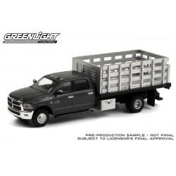 Greenlight Dually Drivers Series 6 - 2018 RAM 3500 Dually Stake Truck