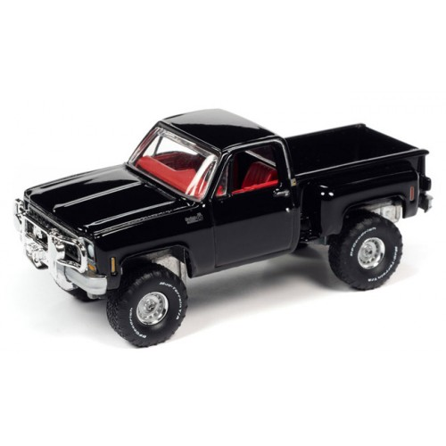 Auto World Premium 2020 Release 5 - 1980 Chevrolet Custom Deluxe 10 Step Side Truck
