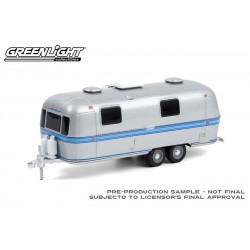 Greenlight Hitched Homes Series 10 - 1971 Airstream Double-Axle Land Yacht Safari
