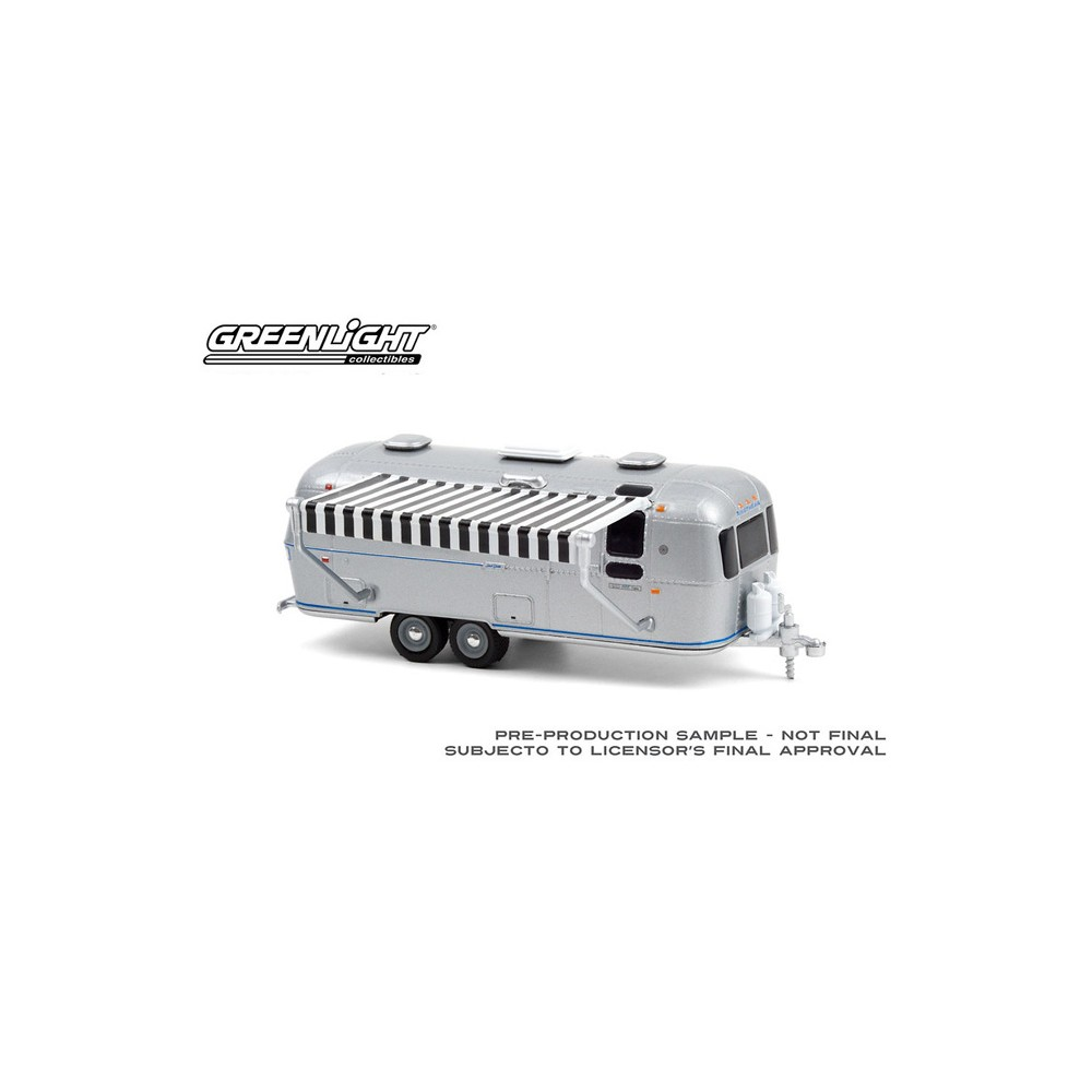 Greenlight Hitched Homes Series 10 - 1972 Airstream Double-Axle Land Yacht Safari