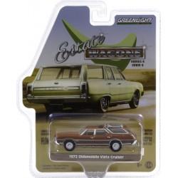 Greenlight Estate Wagons Series 6 - 1972 Oldsmobile Vista Cruiser