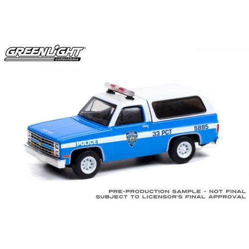 Greenlight Hobby Exclusive - 1985 Chevrolet K-5 Blazer New York City Police Department NYPD